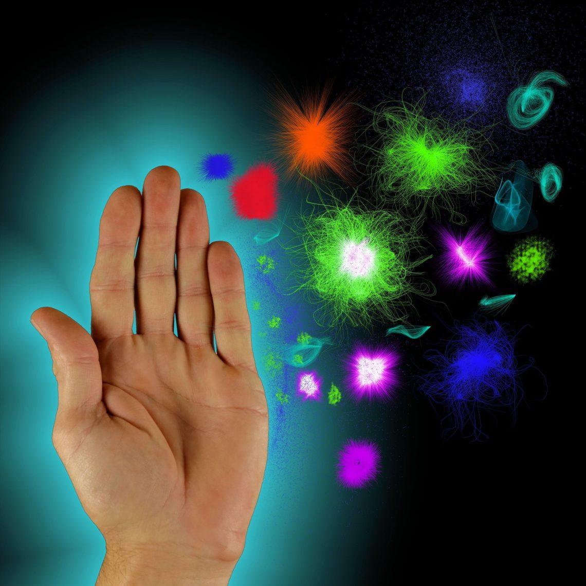 Eine Hand wehrt Viren ab