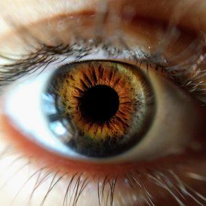 Pupille und Iris in Nahaufnahme